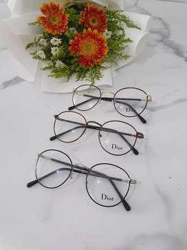 Kacamata bisa langsung periksa di optik