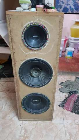 Set of speakers dainty Double 10 inch and one 6 inch