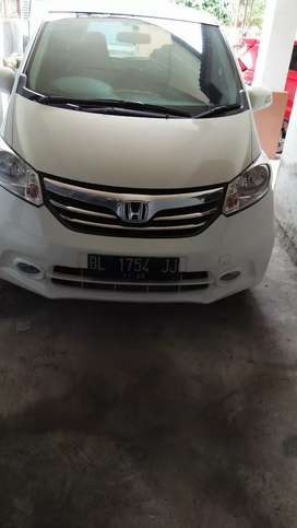 Jual honda freed 2013