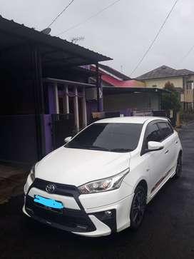 Dijual Toyota Yaris 2017 TRD sportivo Manual Transmisi
