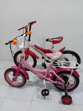 Sepeda abang adek uk 16&12 lengkap roda samping, Lokasi Depok
