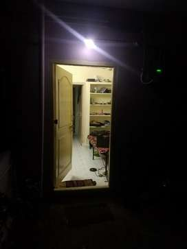 Need female roomet for room sharing