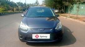 Ford Figo, 2012, Petrol