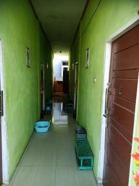 Di sewakan kamar kost lengkap lemari,kipas,springbed,,kamar mandi , WC
