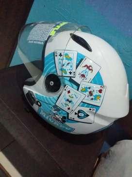 Helm edisi Disney merk BMC