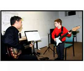 Home tutions for guitar and piano