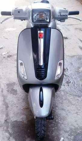 Vespa model=125s  limited edition