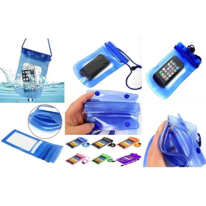 Waterproof pouch/bag underwater ( tas/sarung hp tahan air untuk foto)