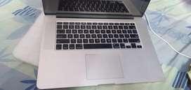 Apple MacBook Pro..