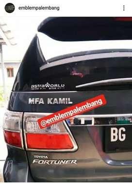 Emblem huruf nama  mobil