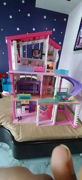 Dream barbie dollhouse