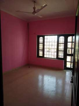 Independent 2bhk house for rent in Dehrakhas near Alankar jewellers.