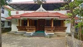 Thrissur Arimpur  house. 9 cent Thrissur kanjani highway 200 meeter