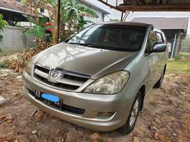 Toyota Kijang  Innova V Matic siap pakai