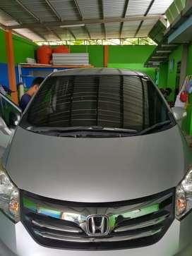 Dijual Honda freed 1.5 E PSD, tahun pembuatan 2013, pemakaian 2014.