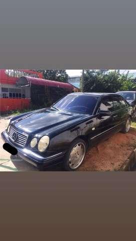 Mercedes benz E-class E240