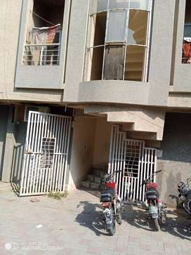 URGENT FLAT FOR SALE IN PAKISTAN TOWN