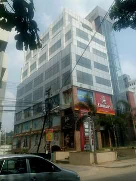 For rent 4700 sqft on 4th floor at prime location with all amenities