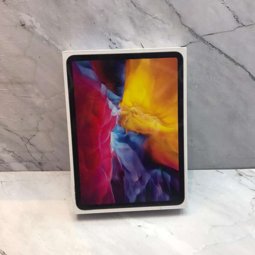 """Wifi Only ipad pro 11"""" 256Gb ready stok sikat bosque"""