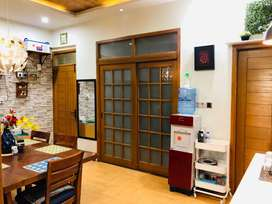 A elegant and wel maintain flat for sale