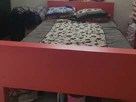 Wooden caught queen size with kurlon bed