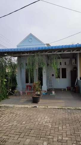 Dijual Rumah terawat bebas banjir krn pindah dinas keluar kota.