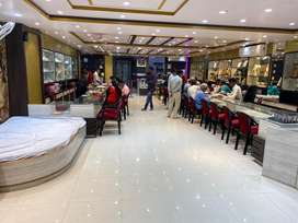 Experienced sales excecutive for jewellery store.
