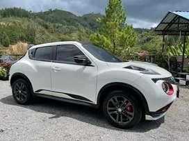 Nissan juke revolt red interior