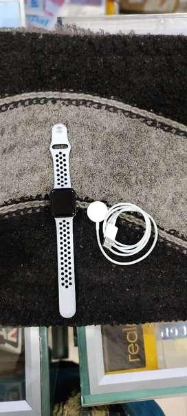 Apple Watch Series 5 Nike 40 mm