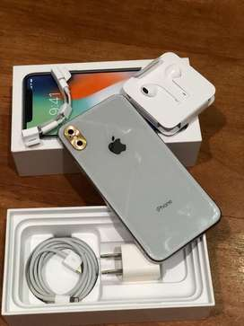 Iphone X 64gb white, lengkap ,beli di ibox indo di mall baywalk