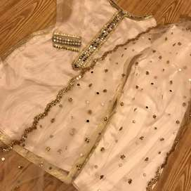 Dresses bags and accessories job for girls only