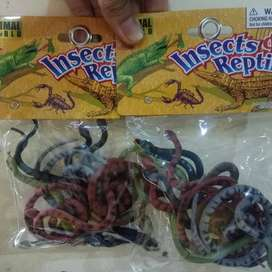 mainan karet ular lusinan untuk edukasi anak