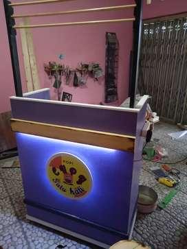 booth gerobak kayu