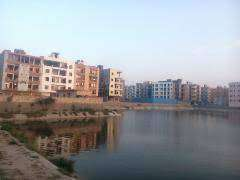 3 BHK FLAT FOR RENT WITH ATTACHEDD WASHROOMS IN ROOM NEARBY ROAD .
