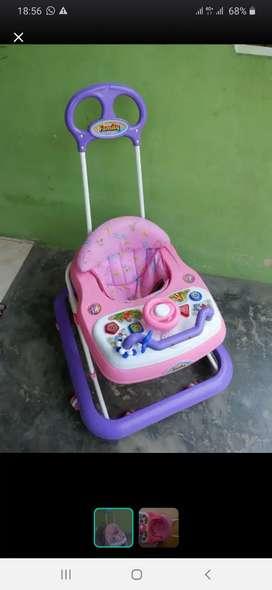 Baby walker family masi bagus smw bole antar klo trjgkau hrg net