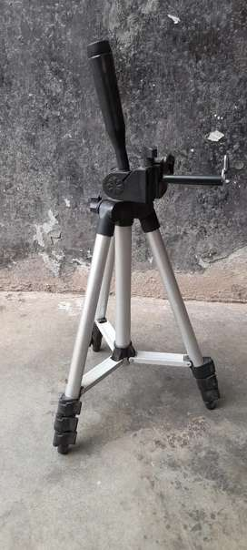 Tripod For All kinds of devices camera and Mobile.