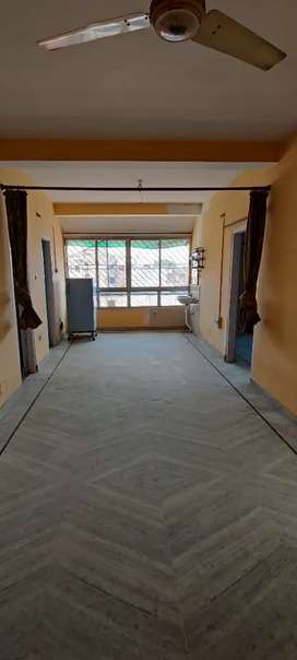 3BHK for rent - prime location next to firayalal Chowk