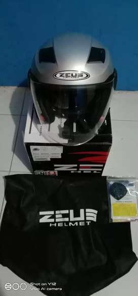Helm Zeus Zs-611C