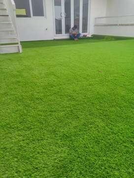 Pasang Rumput Sintetis Teras Rumah Halus Dan Nyaman Buat Tempat Santai