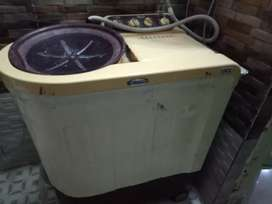 Whirlpool semi auto matic washing machine
