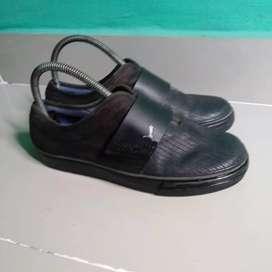 Sepatu slop puma original
