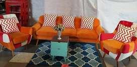 Sofa retro minimalis. Sangat cantik buat ruangan minimalis