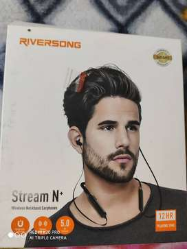 Riversong Wireless earphones (2 weaks old)