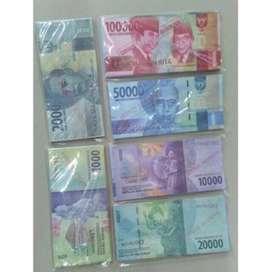 Mainan uang uangan
