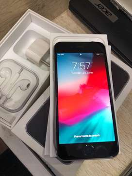 <iPhone 7+ 256gb Flawless condition piece with all new accessories>