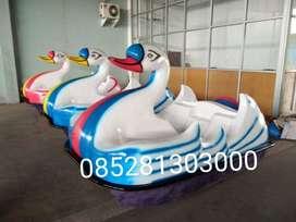 sepeda air bebek jumbo,bebek air besar,perahu air bebek fiber ready