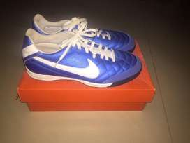 Nike tiempo natural IV LTR TF. Size : 38/39