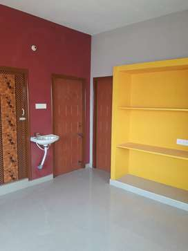 2 BHK House for Lease - Redhills / Padianallur.