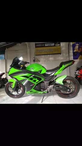 Bali dharma motor jual Kawasaki ninja 250R tahun 2014