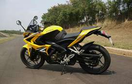 Fixed price only genuine buyers..! Pulsar rs200 rs 200